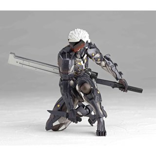 Revoltech METAL GEAR RISING REVENGEANCE Raiden Action Figure