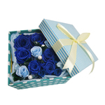 [To upholstered stripe blue box along with the blue and blue roses and pearl / Preserved Flowers]
